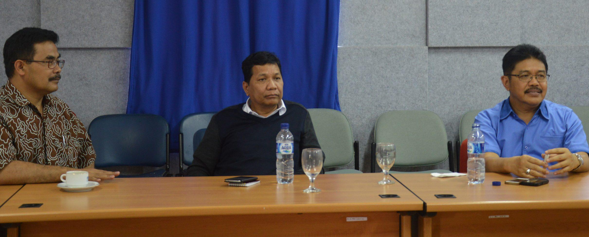 Kunjungan Tim PTPN III ke IT Del