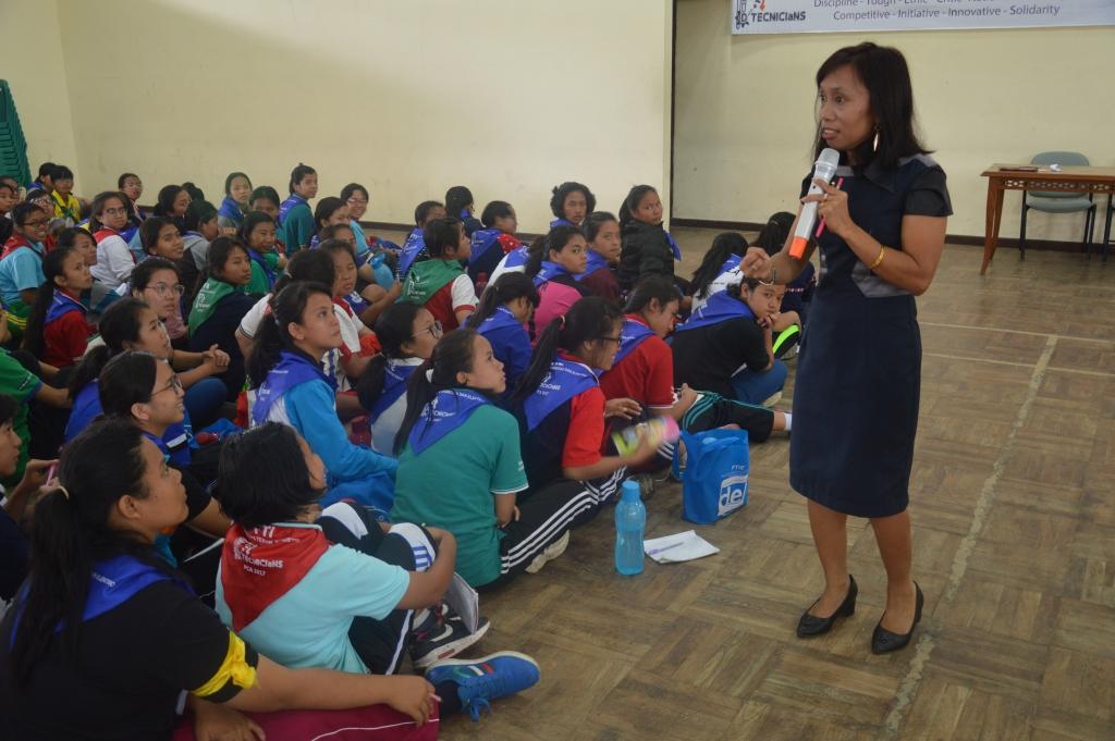 Kuliah Umum dari Ibu Mariana Simanjuntak  S.S, M.Sc.
