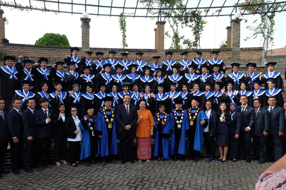 Acara Wisuda XIV dan Dies Natalis XVI Institut Teknologi DEL Dihadiri Sri Mulyani