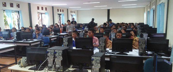 "Pelatihan kompetisi robot line follower ""1st Del Line Follower Robotic Competition"" tingkat SMA/SMK se-Kabupaten Toba Samosir."