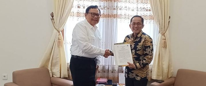 ITB and IT Del Renew Their Cooperation
