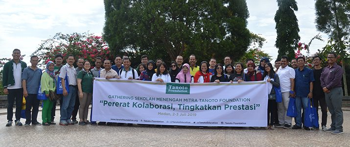 34 Principals and Teachers of Tanoto Foundation Partners Visit IT Del
