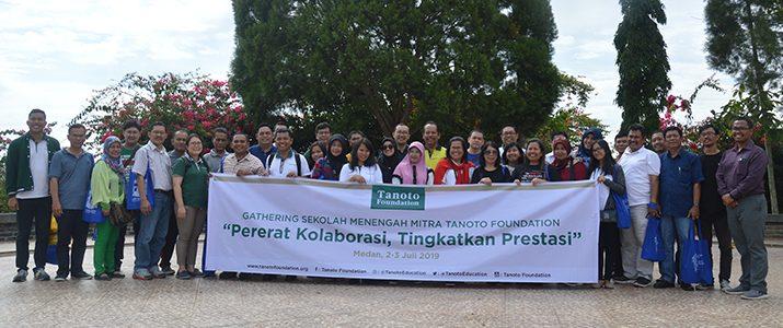 Kunjungan 34 orang Kepala Sekolah dan Guru Mitra Tanoto Foundation ke kampus Institut Teknologi Del
