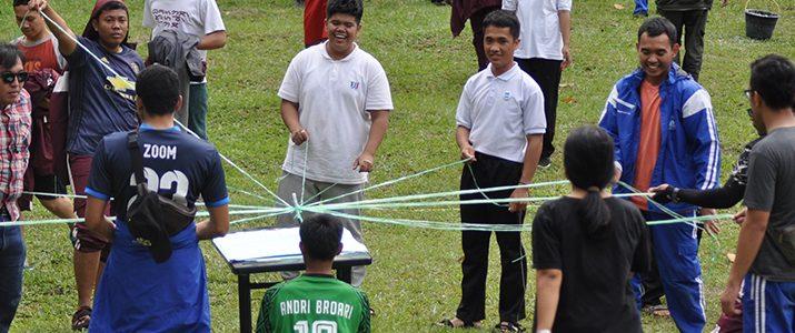 Outbound Dosen, Staff dan Mahasiswa Prodi S1 Teknik Elektro