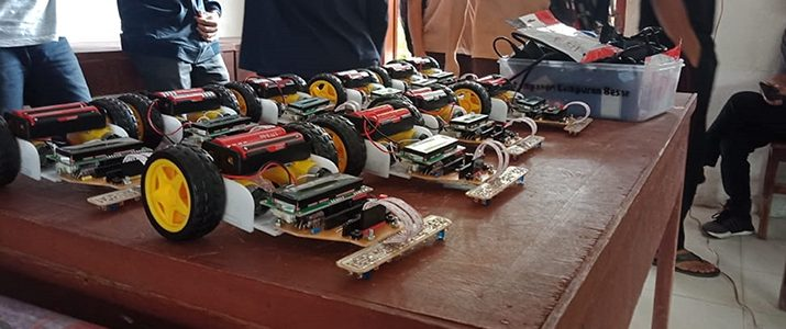 """Pelatihan Ketiga Untuk Kompetisi line follower """"2nd Del Line Follower Robotic Competition"""" tingkat SMA/SMK se-Kabupaten Toba Samosir dan Tapanuli Utara."""