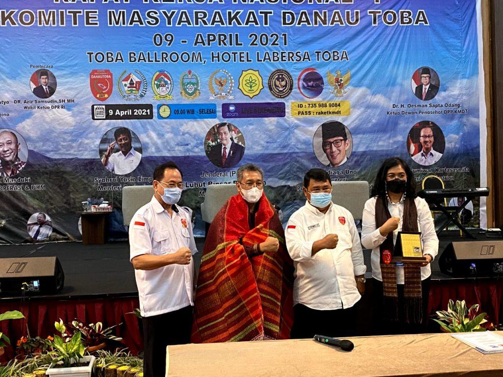Institut Teknologi Del dan Dewan Pimpinan Wilayah Komite Masyarakat Danau Toba Provinsi Sumatera Utara melakukan penandatangan Nota Kesepahaman di Hotel Labersa, Balige Kabupaten Toba.